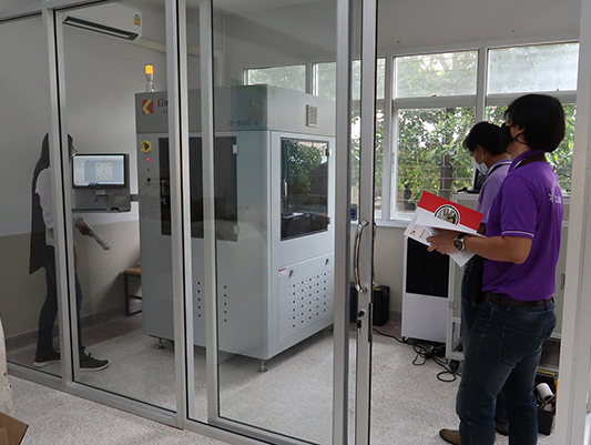 Teleconferencing Installation of Kings SLA 3D Printer to Overcome Challenge of Covid 19